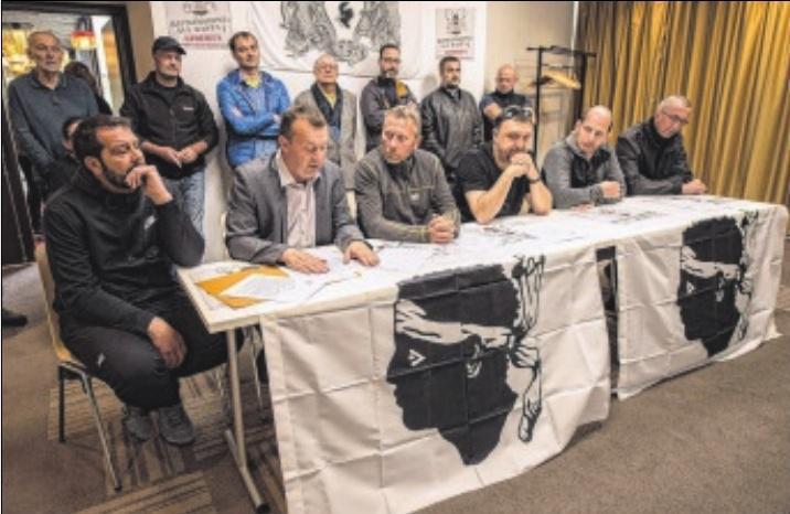 J. C.,1. Jean-Marc Dominici, Félix Benedetti et Stéphane Tomasini, étaient poursuivis pour avoir refusé leur inscription au Fijait