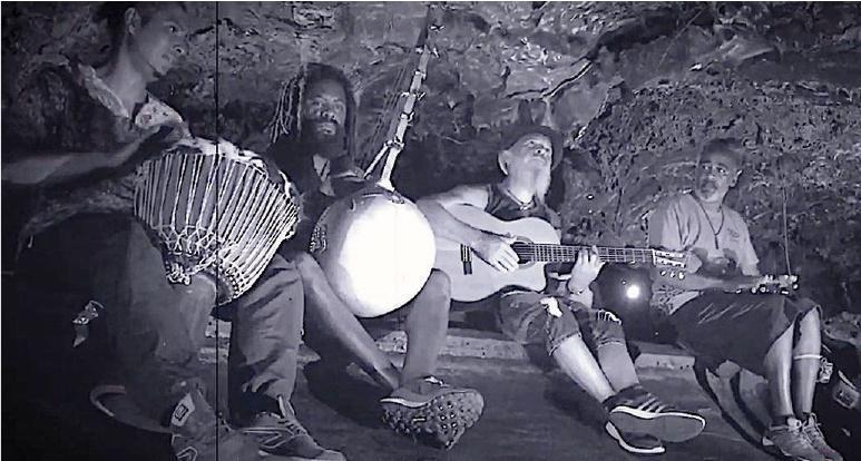 Benkadi Trio et Fangokoa. Ce soir à partir de 20h au café culturel de Saint-Benoît, Le Bisik, 44 rue Amiral Bouvet
