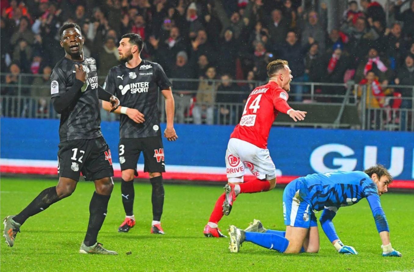 Ligue 1 (21e journée). Stade Brestois - Amiens : 2-1,Pierre-Yves Henry