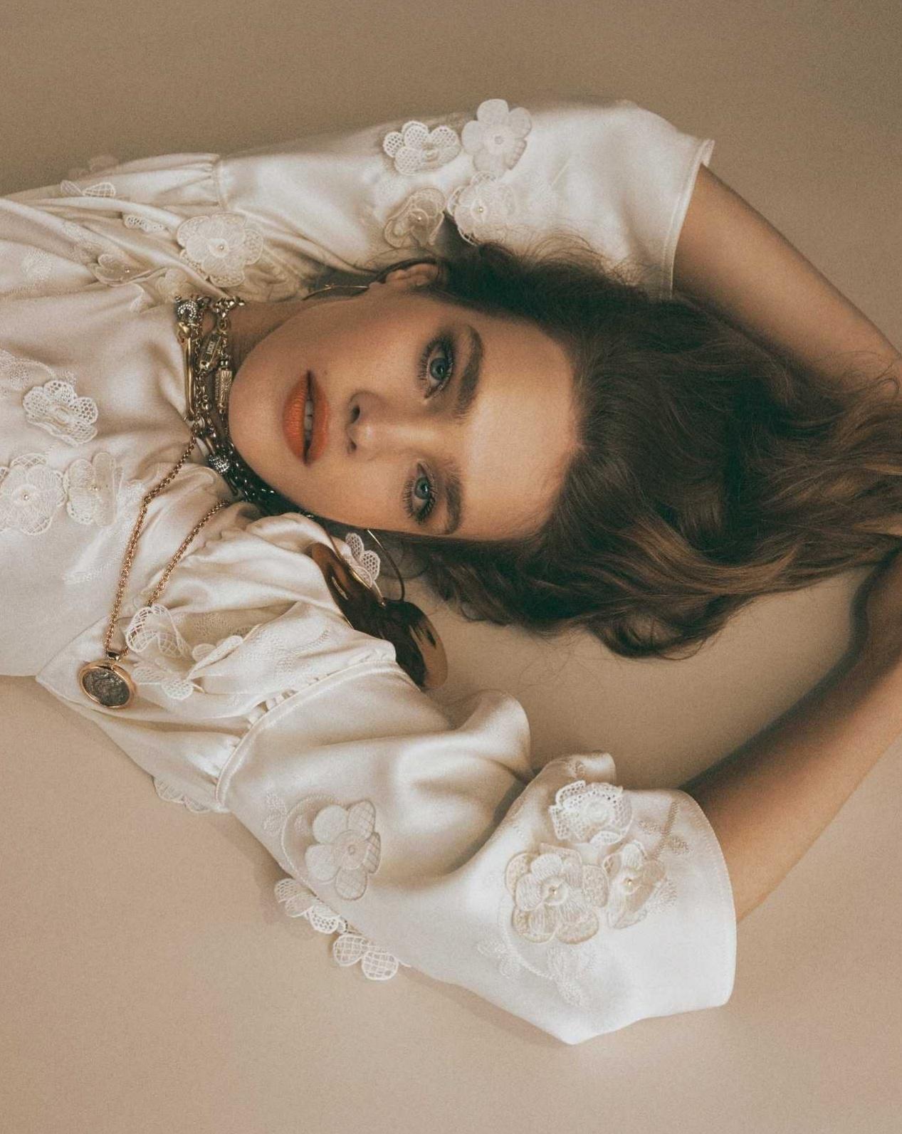 Par Karine Tuil Photos Van Mossevelde+N Réalisation Anne-Sophie Thomas