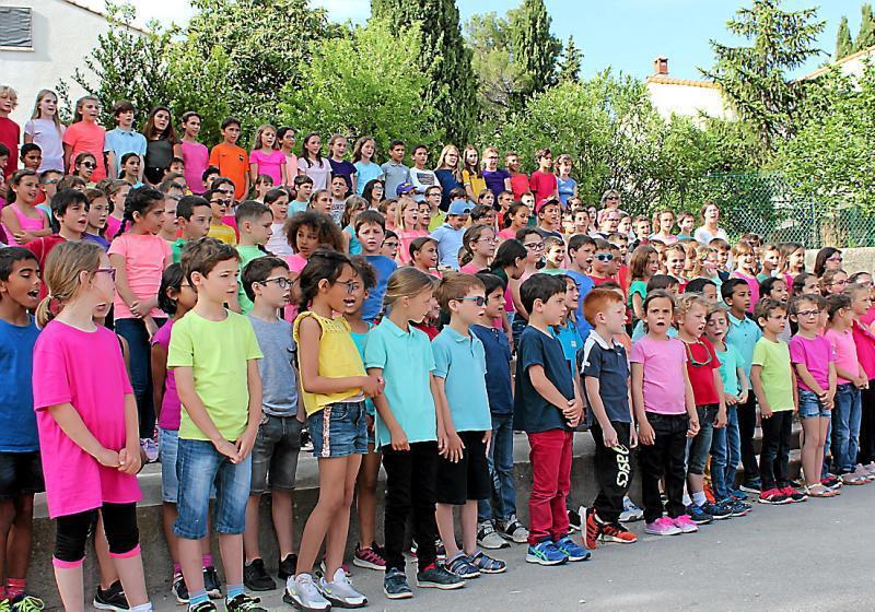 Une école qui chante en chœur et qui enchante | SFR Presse