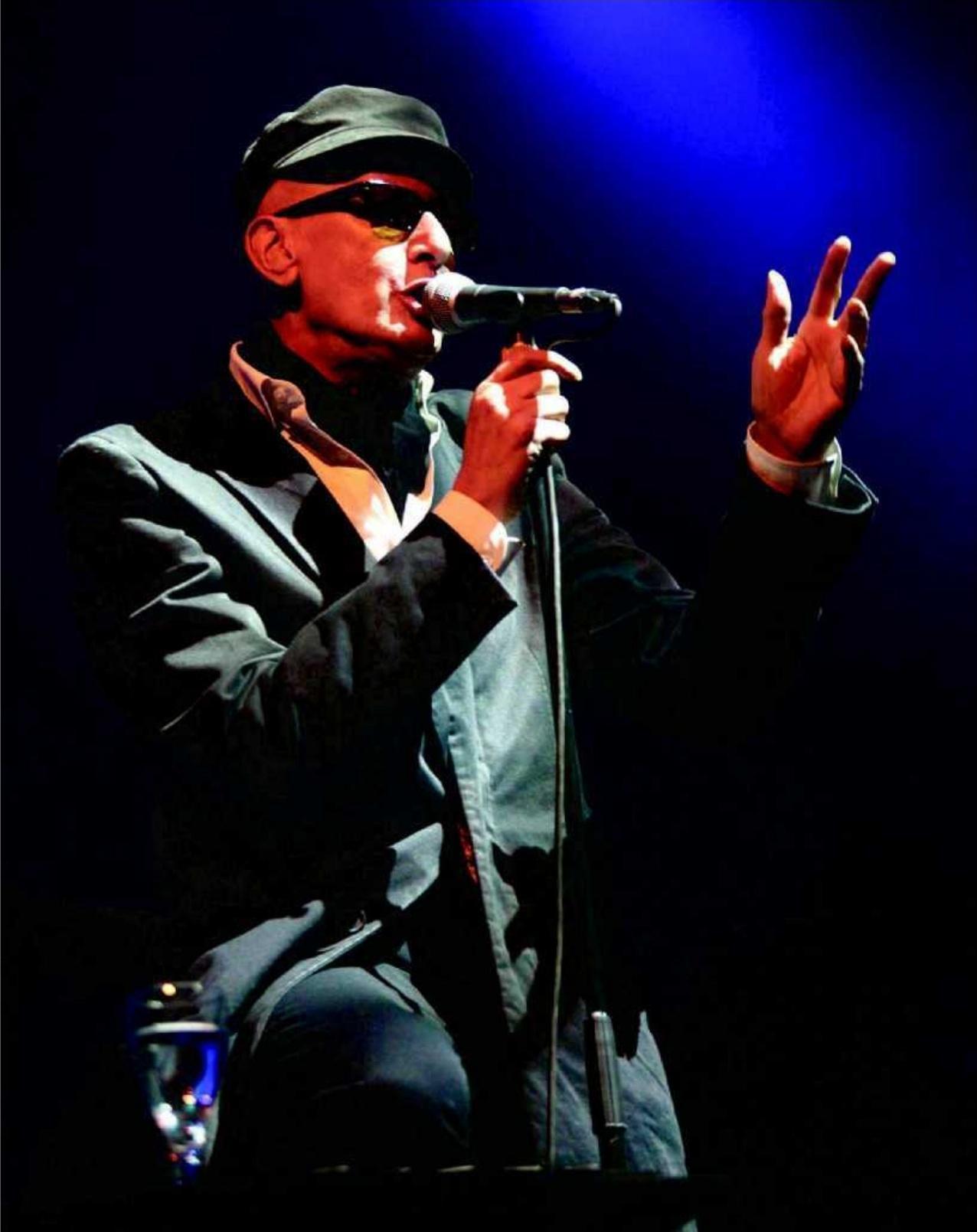 PROPOS RECUEILLIS PAR YANNICK DELNESTE,y.delneste@sudouest.fr,Alain Bashung, lors de sa dernière tournée en août 2008 à Monpazier (24), au festival L'Été en Bergerac, après la sortie de son dernier opus, « Bleu pétrole ». PHOTO ARCHIVES MARIE SEILLERY