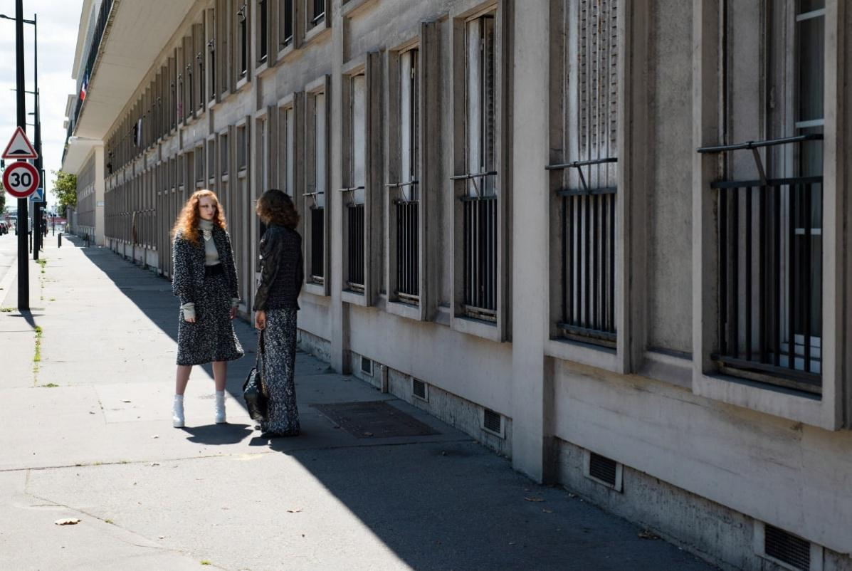 Jours tranquilles dans les rues du Havre.,Photographie Anders Edström Stylisme Camille Bidault-Waddington