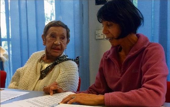 S. MOUHOT,1. Association du centre hospitalier d'Hyères pour l'aide aux handicapés et aux personnes âgées. Un nouveau secrétaire a été élu en la personne de Philippe Petit. E-mail : lesblousesmauves@gmail.com